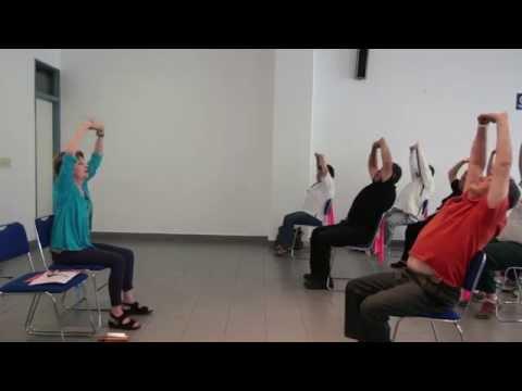 Clase de Yoga para pacientes con Parkinson