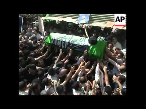 Thousands mourn death one of Iraq