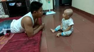 Download Video Video bayi marah-marah sama ayahnya MP3 3GP MP4