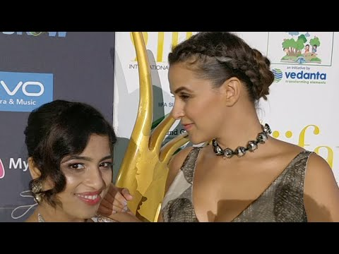 IIFA Awards 2017 Neha Dhupia with RJ Malishka thumbnail