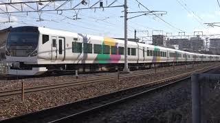 11両フル編成で長野入りした、松本車E257系。