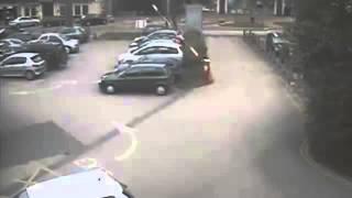 Шлагбаум играется(Будьте Внимательны на дорогах! Be careful on the roads! https://www.youtube.com/user/badbuddavideo., 2014-10-22T07:48:26.000Z)