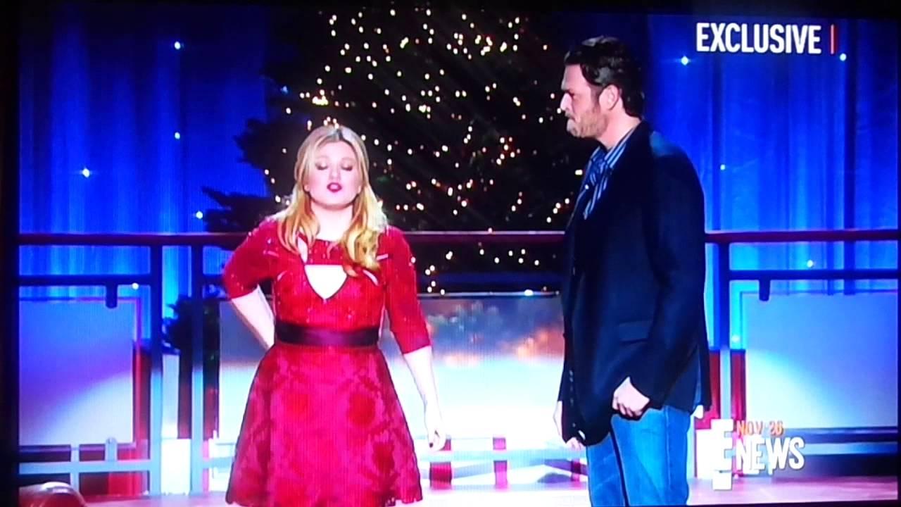 Christina Aguilera Blake Shelton Christmas | www.topsimages.com