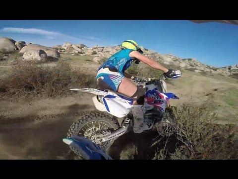 Cavaliers Dirt Bike Freestyle Voler