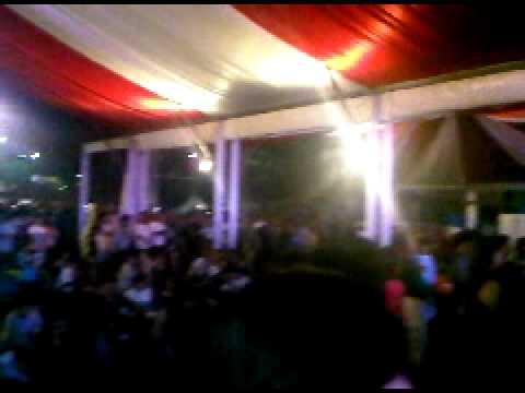 T-Five menghibur penonton di Jakarta Fair 2010