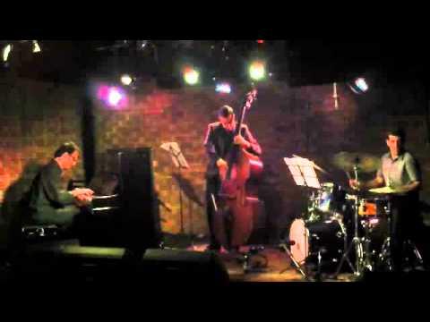 Looking Forward - Alec Katz Trio at Third Ear (OzenBar)