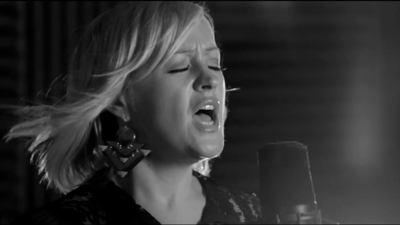 alice-russell-i-loved-you-acoustic-alice-russell