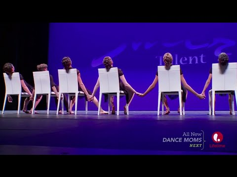 The Waiting Room - JC's Broadway Dance Academy - Dance Moms: Dance & Chat