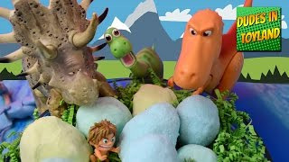 the good dinosaur eggs toys surprise fizzing hatching disney dino toy videos for kids