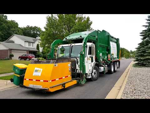 Waste Management: Peterbilt 320/ McNeilus Atlantic FL w/ Curotto Can