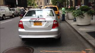 RARE NYC TAXI & LIMOUSINE POLICE CONDUCT TRAFFIC STOP ON CABBIE NEAR LEXINGTON AVENUE IN MIDTOWN.