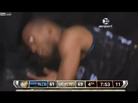 У Баскетболиста ВЫПАЛ ГЛАЗ во время матча