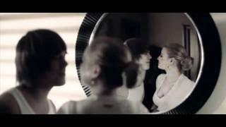 Repeat youtube video Fekete Dávid és Cserpes Laura - Egy nap - OFFICIAL MUSIC VIDEO