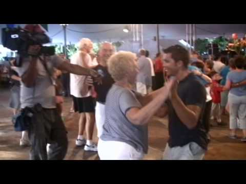 Musikfest 2009 - THIS is how to end a Weather Report! (WPVI-TV, 3 Aug 2009).