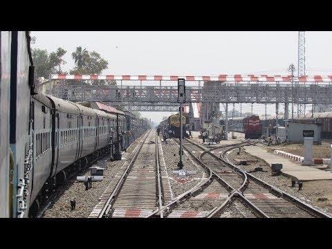 SATNA JUNCTION Arrival & WDG4D Kamayani Express - Indian Railways !!