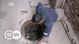 Lebensgefährliche Kanalreinigung in Indien | DW Deutsch