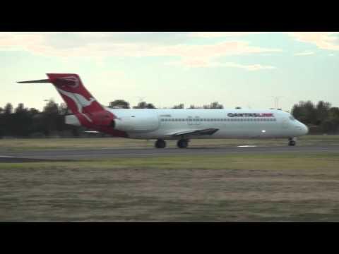 QantasLink Boeing 717 -  Screaming takeoff from Adelaide