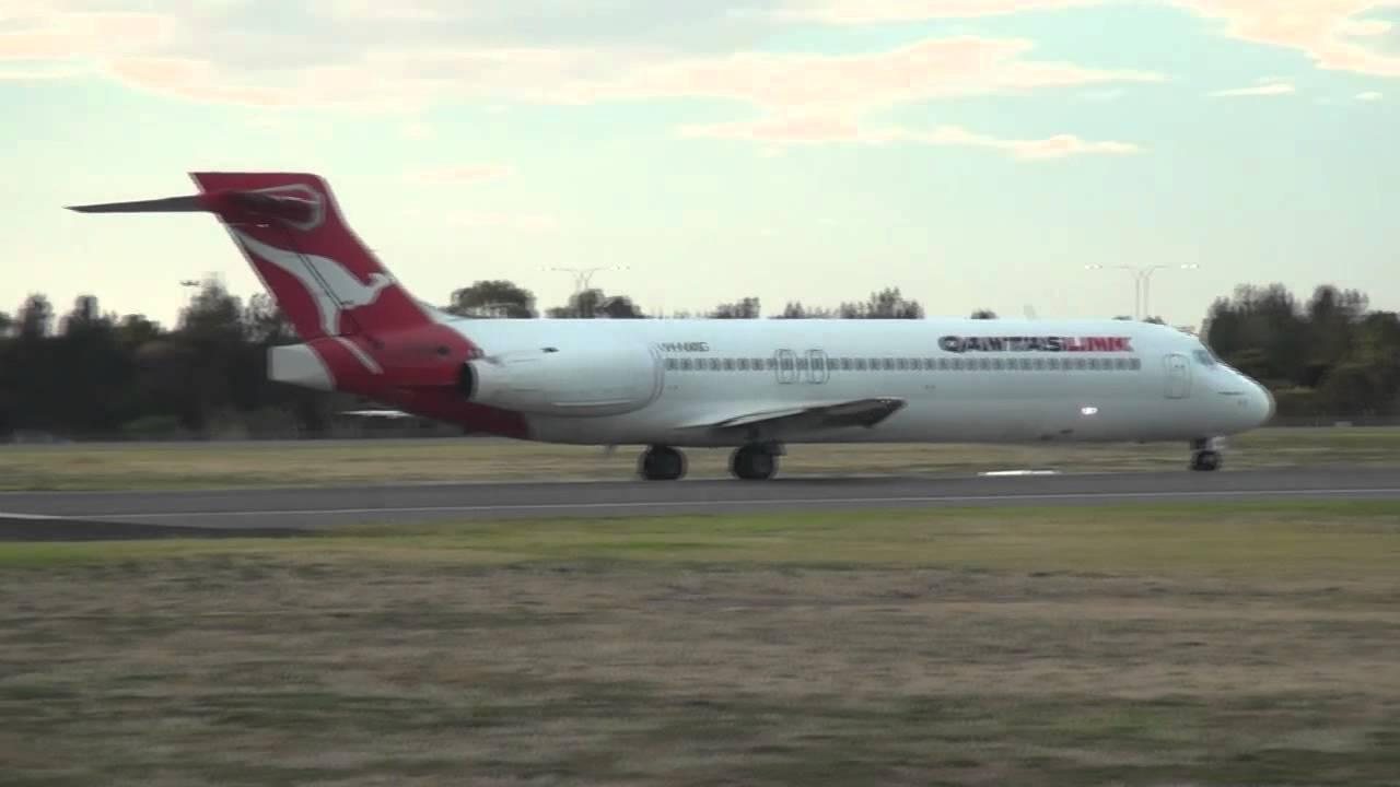 qantaslink boeing 717 screaming takeoff from adelaide youtube