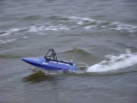 jet sprint rc boat tear into - YouTube