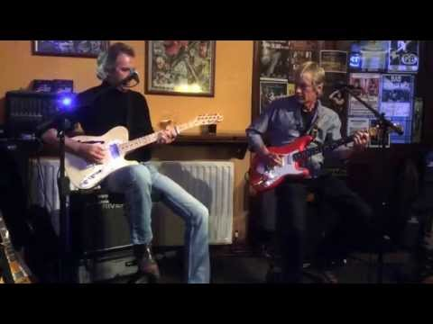 Ian Hunt and Andy Winfield playing 'Since I met you Baby' at the Grey Hose, Kingston, 22/05/2014.