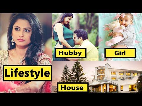 Rashi Aka Rucha Hasabnis Lifestyle,Husband,House,Income,NetWorth,Cars,Family,Biography,Movies