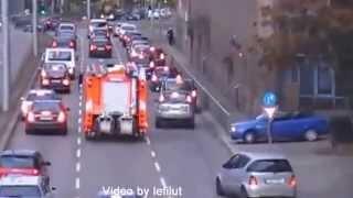 Как пропускают пожарную машину в Германии 360p(, 2015-04-25T14:48:59.000Z)