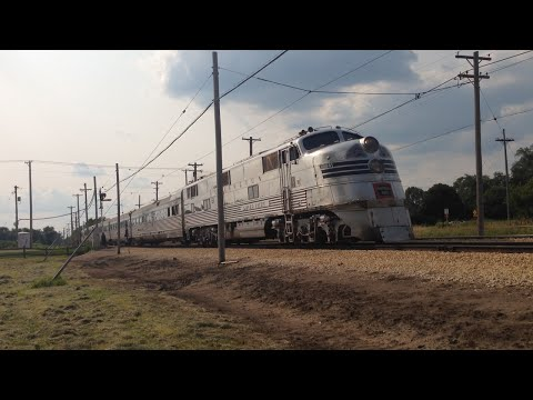 CBQ 9911A 'Silver Pilot' and Nebraska Zephyr at Olson Road