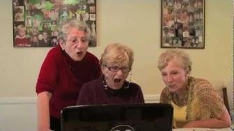 Cosa succede quando una nonna guarda un porno? Grandmas watch Kardashian sex tape!
