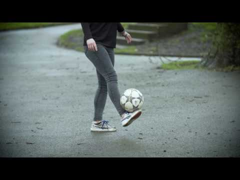 Freestyle football skills - get the ball off the ground | National Literacy Trust