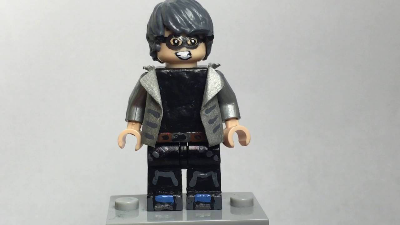 Lego X-Men: Quicksilver & Mystique Showcase - YouTube
