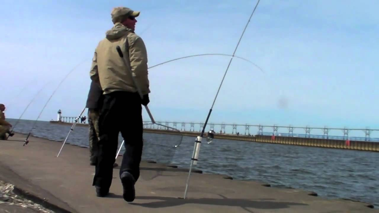 Lake michigan pier fishing youtube for Grand haven fishing report