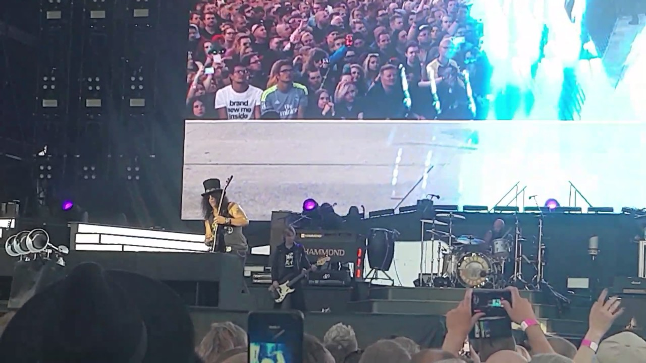 Guns N' Roses This I Love, Not In This Lifetime tour, July 1st 2017 Hämeenlinna Finland - YouTube