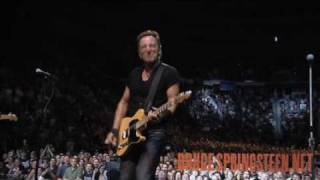 Bruce Springsteen - Wild Thing - Live from Hartford - Working On A Dream Tour - 2009