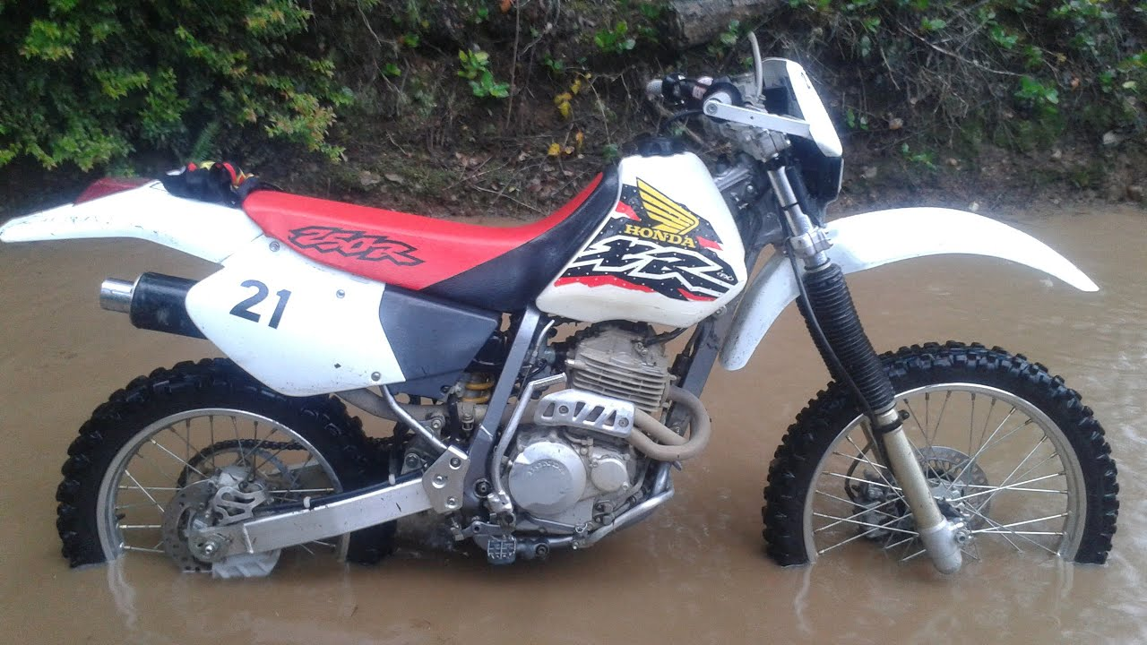 The advantages of the Honda XR 250 and specifications 25