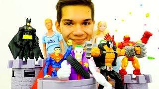 Супергерои против Злодеев! Джокер и Барби! Видео игры.