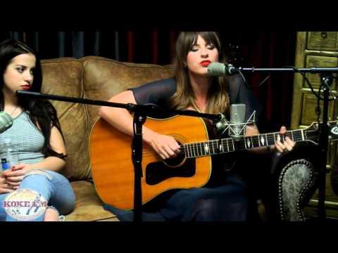 "Caitlyn Smith sings ""Tacoma"" live on ""KOKEFM"""