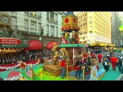 Jonas Brothers - S O S Live At Macy's Thanksgiving Day Parade 22 Nov 07