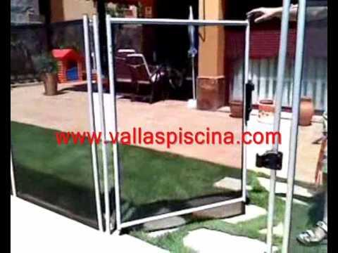 Puerta de cierre automatico de vallas desmontables para for Vallas para piscinas desmontables
