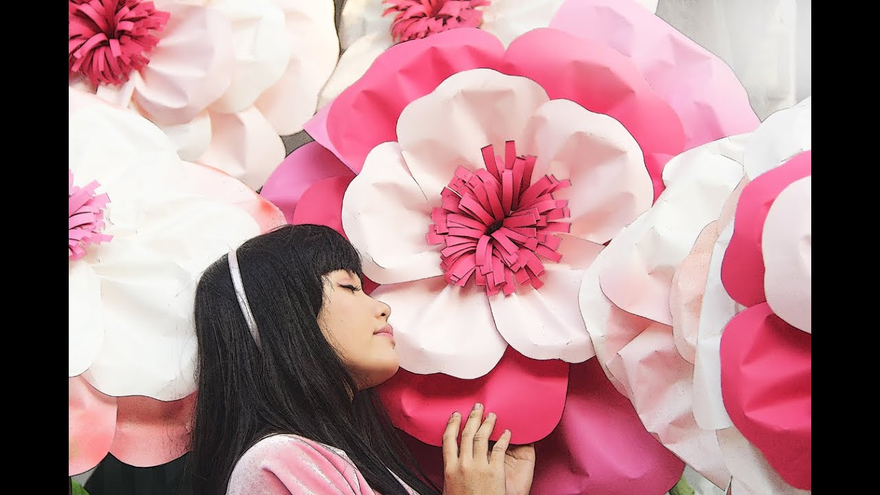 Diy giant paper flower youtube mightylinksfo