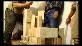 Repeat youtube video A fa hatékony tüzelése - Rakétakályha építése Gömörszőlősön