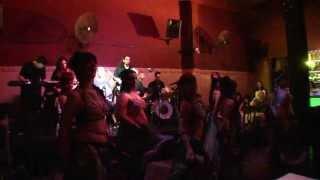 Fakkarouni- Banat el Beled con Sergio Montana y su Arab Rock-