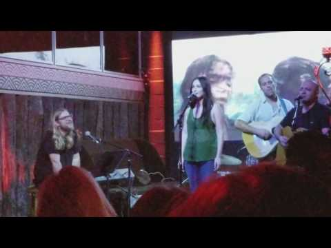 """Kacey Musgraves NEW SONG """"Love is a Wild Thing"""" at Razor and Tie Family Jam 6/6/17"""