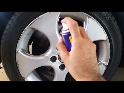 Cleaning EXTREMELY Dirty Alloy Rims Using WD-40
