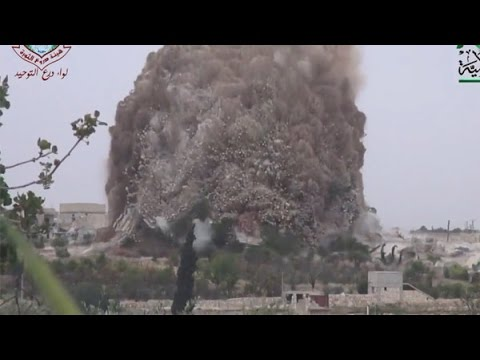 Massive explosion from tunnel bomb in Syria - explosions and blasts compilation