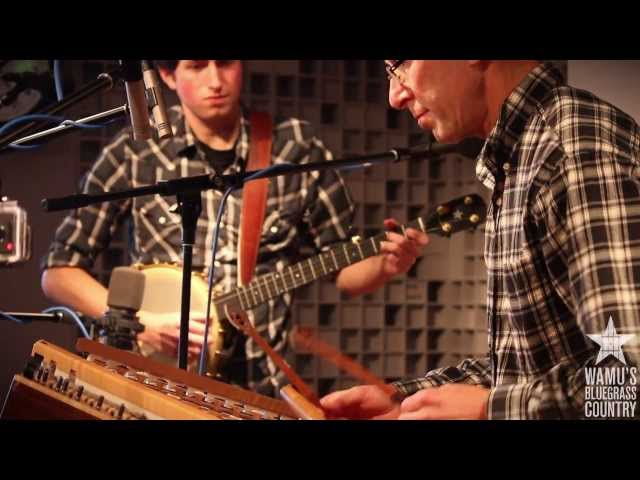 Ken & Brad Kolodner - Skipping Rocks [Live at WAMU's Bluegrass Country]