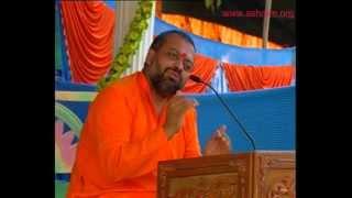 Muhinje Gurua je dar te ko bhagan waro ache (Sindhi Bhajan)- Shri Sureshanand ji Bhajan 2012