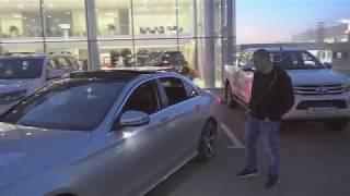 Mercedes паркуется БЕЗ ВОДИТЕЛЯ