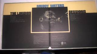 Repeat youtube video Muddy Waters- I'm Going To Move To The Outskirts Of Town (Vinyl LP)