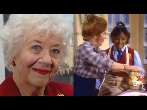 'Facts of Life' Star Kim Fields Remembers Beloved Charlotte Rae