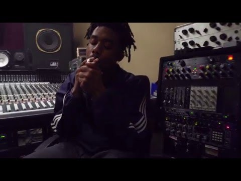 """EarthGang """"Rounds"""" Feat. Hardo (Prod By SuperMario) In-Studio Video"""